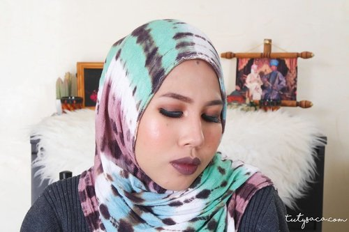 It's long time you don't see me play make up. So here it is my winter vibes makeup 😋😋😋 #makeup #beautyblogger #beautybloggerindonesia #bblogger #bloggerstyle #wintermakeup #clozetteid #beautytutorial
