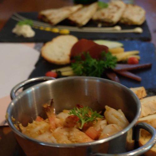 Enaaaak ya makanan nya,,,, Ini salah satu menu dari christmas set menu @gastromaquia ....#CLozetteid #GASTROMAQUIAXClozetteIdReview #gastromaquia #gastromaquiajkt #fromMadridtoJakarta #Gastronavidad