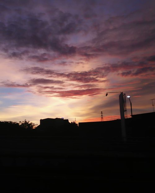 Taken by me📷 @oppoindonesia F1...#cottoncandy #sky #oppoF1 #clozetteID