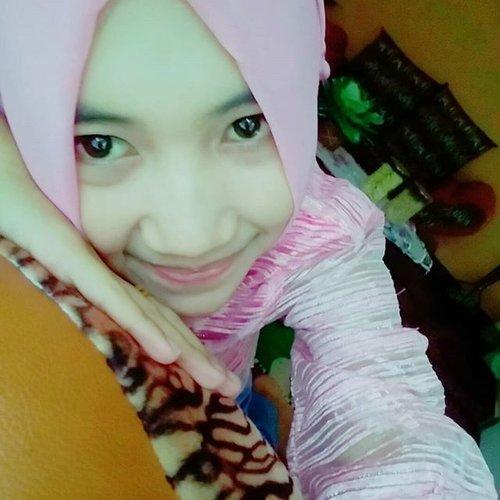 #clozetteid #hijabers #pinkgirl #lebaran2015 selamat malam