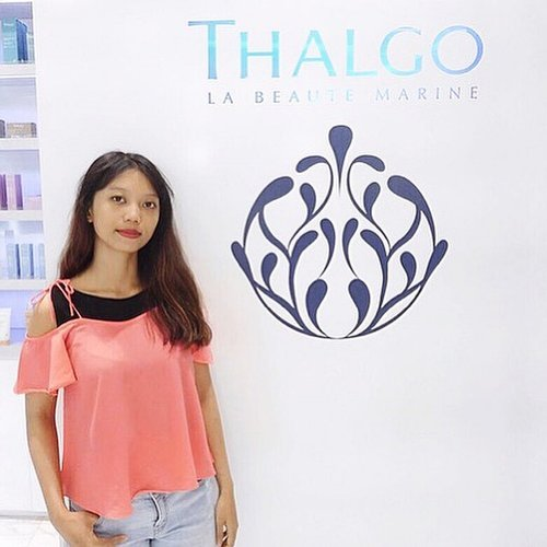 Bare clean face after try the facial from @thalgo_indonesia 😉💙 click the link on my bio to find out more ☝🏻🐬✨ • • • • • • • #blogger #bloggerbabes #clozetteid #clozetter #beautyblog #beautyblogger #lifestyleblogger #thalgo #thalgospa #thalgoindonesia #beautemarine