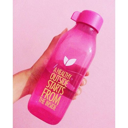 Have you drunk enough water, today?Cause a healthy outside starts from the inside :)#tumbler #byot #keephealthy #ClozetteID #clozettedaily