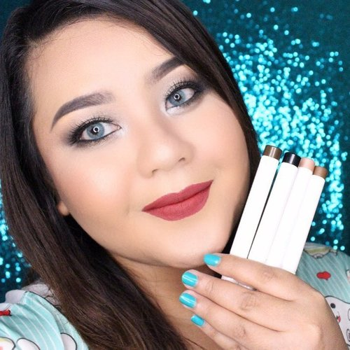 I was wearing the newly launched @blpbeauty Eyeshadow Pen and Dual Eye Definer. Watch the full review on my youtube channel (link on my bio). I was also wearing the new BLP Bloody Mary on my lips.  #BeAdored #InYourEyes #BlPbeauty #blpdualeyedefiner #blpeyeshadowpen #clozetteid #bloggerceria