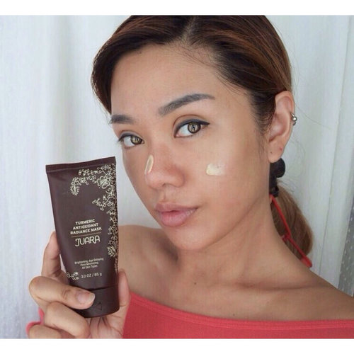Currently fav facial care in a form of non drying mask @juarabeauty  Turmeric Antioxidant Radiance Mask with brightening, age delaying and pore minimizing effect for all skin types..#LoveJUARA#JUARAGirl