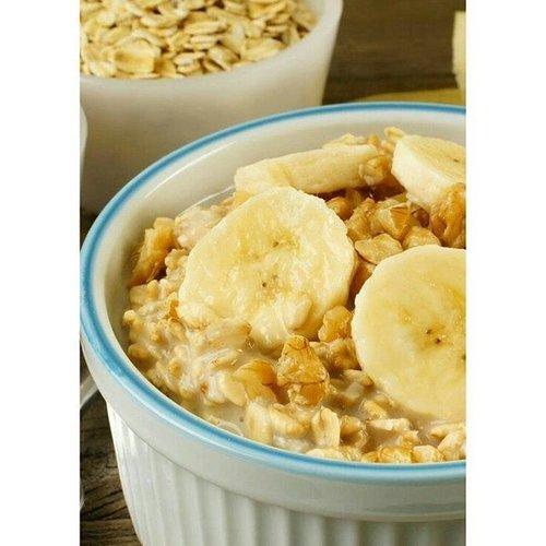 Breakfast Biar gak oleng 😉 . . . . #breakfast #breaktime #oats #walnut #bannana  #fruit #healthyfood #instafruit #yogurts #fruity #ritystory #ritystyle #travelerlife #womanblogger #igersworldwide #igersindonesia #like4likes #likeforlike #foodie #followforlike #healthylife #healthyfood #healthyme #breakfasttogo #clozetteid #foodlover #foodie