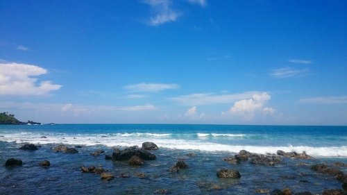 No need filter.. It isn't bali.. It is banyumas beach  I need vitamin SEA 😍 📷#sonyxperia . . . . #beach #mengantibeach #kebumen #banyumas #explorekebumen  #ritystrip #travelerblogger #womanlifestyle #womantraveler #ritystory #likeforlike #followforlike #travelerlife #mytravelgram #instatravel #igersworldwide #igersindonesia #instaphotoshoot #instanusantara #wonderfullindonesia #instapic #instaphoto #photooftheday #picsoftheday #travelgram #clozetteid #myadventure #instapantai #pantai