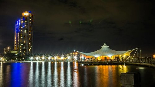 Ancol in the night . . . . . . 📷 mamang fot . . #jakartainthenight #jakartacity #ancol #lebrid#ritystrip #travelerblogger #womanlifestyle #womantraveler #ritystory #likeforlike #followforlike #travelerlife #mytravelgram #instatravel #igersworldwide #igersindonesia #instaphotoshoot #instanusantara #intajava #wonderfullindonesia #instapic #nikon_photography_ #nikon_world #photooftheday #picsoftheday #travelgram #clozetteid #myadventure #pesonaindonesia