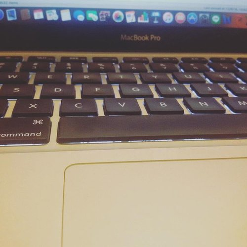 Work & Lembur 🙈🙊 💪💪💪💪💪💪💪 . . . #macbookpro #macbook #work #lembur #nodayswithoutevent #semangat #workstuff #workhard #ritystory #womanblogger #womantraveler #travelerlife #travelerblogger #busy #businesswoman #clozetteid