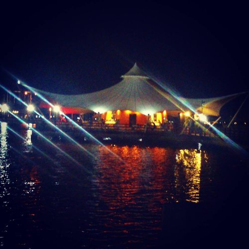 It's not easy to be Light when you've been Dark . . . #night #view #ancolbeach #ancol #jakarta #jakartacity #beach #photooftheday #picsoftheday #ritystory #womanblogger #travelerlife #nightview #like4like #followforlike #clozetteid