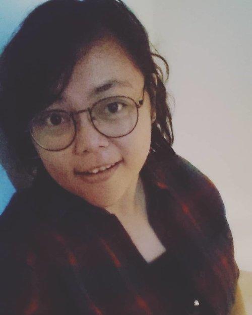 Walau ngantuk en capcay 😁 Mata panda 🐼 pun mulai nongol.. Udah kagak jaman klo take a pic pas cerah en cetar membahana.. Lah saiyah pas dini hari.. Masih kedubrakan.. Kucel letrek tapehhh tetep keep on selfieee lahh 😜 Gak ada salahnya mewujudkan impian seseorang di hari spesial 😍 #jangankasihkendor . . . . . #selfie #myface #me #travelerblogger #womanlifestyle #womantraveler #ritystory #travelerlife #mytravelgram #womanentrepreneur #ritystory #travelgram #womanblogger #wanitatangguh #behappy #like4likes #gallery_of_all #travelerblogger #girlexplorer #clozetteid #seksisyebuksekali #wo #anakevent