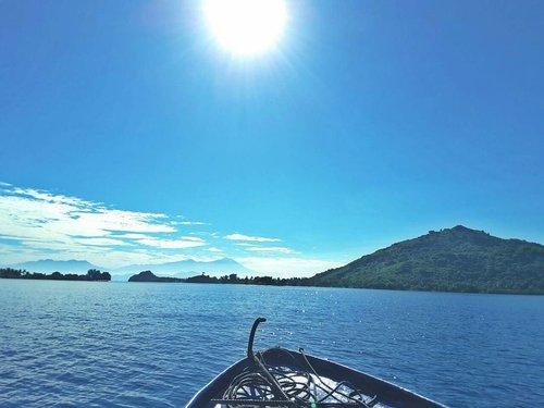 Sunrise.. Jadi kangen kamoeh Eeehhh #beach 😍 📷 #samsungtabs . . . . #gilinanggu #explorelombok #explorentb #ritystrip #travelerblogger #womanlifestyle #womantraveler #ritystory #instanusantara #instabeach #gili #island #travelerlife #mytravelgram #instatravel #igersworldwide #igersindonesia #instaphotoshoot #instanusantara #wonderfullindonesia #instapic #instaphoto #photooftheday #picsoftheday #travelgram #clozetteid #myadventure #samsungindonesia