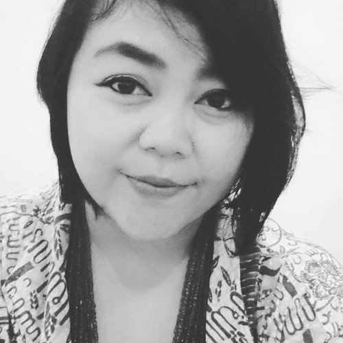Hellow Friday . . . #bw #mystyle #myself #selfie #me #workstyle #ritystory #ritystyle #selfportrait #loveselfie #work #likeforlike #followforlike #womanblogger #travelerlife #travelerblogger #myadventure #clozetteid #picsoftheday #photooftheday #mytravelgram #womanstyle #indonesianwoman #clozette