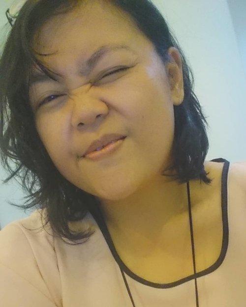Tampang mulai rusuh.. Pipih ngisut 😢 Jumatttt rasa senin 💪 . . . . . #selfie #myface #me #travelerblogger #womanlifestyle #womantraveler #ritystory #travelerlife #mytravelgram #womanentrepreneur #ritystory #travelgram #womanblogger #wanitatangguh #behappy #like4likes #gallery_of_all #travelerblogger #girlexplorer #clozetteid #seksisyebuksekali #anakevent