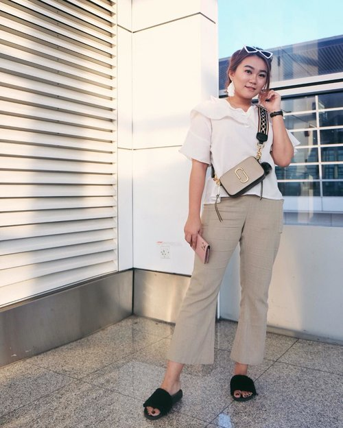 """<div class=""""photoCaption"""">One's destination is never a place, but always a new way of seeing things. Hello 🇻🇳....👜: @marcjacobs 👓 : @eyedope.idTop : @shopataleenPants : @thechiyolabelFur sandals : @acue.studio.. <a class=""""pink-url"""" target=""""_blank"""" href=""""http://m.clozette.co.id/search/query?term=Clozetteid&siteseach=Submit"""">#Clozetteid</a>  <a class=""""pink-url"""" target=""""_blank"""" href=""""http://m.clozette.co.id/search/query?term=lookbookindonesia&siteseach=Submit"""">#lookbookindonesia</a>  <a class=""""pink-url"""" target=""""_blank"""" href=""""http://m.clozette.co.id/search/query?term=ootdfashion&siteseach=Submit"""">#ootdfashion</a>  <a class=""""pink-url"""" target=""""_blank"""" href=""""http://m.clozette.co.id/search/query?term=beautyjunkie&siteseach=Submit"""">#beautyjunkie</a>  <a class=""""pink-url"""" target=""""_blank"""" href=""""http://m.clozette.co.id/search/query?term=makeupjunkie&siteseach=Submit"""">#makeupjunkie</a>  <a class=""""pink-url"""" target=""""_blank"""" href=""""http://m.clozette.co.id/search/query?term=ootdshare&siteseach=Submit"""">#ootdshare</a>  <a class=""""pink-url"""" target=""""_blank"""" href=""""http://m.clozette.co.id/search/query?term=ootdstyle&siteseach=Submit"""">#ootdstyle</a>  <a class=""""pink-url"""" target=""""_blank"""" href=""""http://m.clozette.co.id/search/query?term=ootdbandung&siteseach=Submit"""">#ootdbandung</a>  <a class=""""pink-url"""" target=""""_blank"""" href=""""http://m.clozette.co.id/search/query?term=vsco&siteseach=Submit"""">#vsco</a>  <a class=""""pink-url"""" target=""""_blank"""" href=""""http://m.clozette.co.id/search/query?term=ggrep&siteseach=Submit"""">#ggrep</a>  <a class=""""pink-url"""" target=""""_blank"""" href=""""http://m.clozette.co.id/search/query?term=ggrepstyle&siteseach=Submit"""">#ggrepstyle</a>  <a class=""""pink-url"""" target=""""_blank"""" href=""""http://m.clozette.co.id/search/query?term=lykeambasasador&siteseach=Submit"""">#lykeambasasador</a>  <a class=""""pink-url"""" target=""""_blank"""" href=""""http://m.clozette.co.id/search/query?term=fashionpeople&siteseach=Submit"""">#fashionpeople</a>  <a class=""""pink-url"""" target=""""_blank"""" href=""""http://m.clozette.co.id/search/query?ter"""