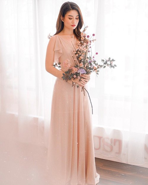 "<div class=""photoCaption"">""If I had a flower for every time I thought of you, I could walk in the garden forever."" 💐——Gown: @lota_id 🌸—— <a class=""pink-url"" target=""_blank"" href=""http://m.clozette.co.id/search/query?term=abnergailorrainecollabs&siteseach=Submit"">#abnergailorrainecollabs</a>  <a class=""pink-url"" target=""_blank"" href=""http://m.clozette.co.id/search/query?term=gown&siteseach=Submit"">#gown</a>  <a class=""pink-url"" target=""_blank"" href=""http://m.clozette.co.id/search/query?term=eveningdress&siteseach=Submit"">#eveningdress</a>  <a class=""pink-url"" target=""_blank"" href=""http://m.clozette.co.id/search/query?term=nudecolor&siteseach=Submit"">#nudecolor</a>  <a class=""pink-url"" target=""_blank"" href=""http://m.clozette.co.id/search/query?term=fashionblogger&siteseach=Submit"">#fashionblogger</a>  <a class=""pink-url"" target=""_blank"" href=""http://m.clozette.co.id/search/query?term=ootdinspo&siteseach=Submit"">#ootdinspo</a>  <a class=""pink-url"" target=""_blank"" href=""http://m.clozette.co.id/search/query?term=ootdfashion&siteseach=Submit"">#ootdfashion</a>  <a class=""pink-url"" target=""_blank"" href=""http://m.clozette.co.id/search/query?term=lookbook&siteseach=Submit"">#lookbook</a>  <a class=""pink-url"" target=""_blank"" href=""http://m.clozette.co.id/search/query?term=tropicaldress&siteseach=Submit"">#tropicaldress</a>  <a class=""pink-url"" target=""_blank"" href=""http://m.clozette.co.id/search/query?term=fashionista&siteseach=Submit"">#fashionista</a>  <a class=""pink-url"" target=""_blank"" href=""http://m.clozette.co.id/search/query?term=chic&siteseach=Submit"">#chic</a>  <a class=""pink-url"" target=""_blank"" href=""http://m.clozette.co.id/search/query?term=influencer&siteseach=Submit"">#influencer</a>  <a class=""pink-url"" target=""_blank"" href=""http://m.clozette.co.id/search/query?term=styleblogger&siteseach=Submit"">#styleblogger</a>  <a class=""pink-url"" target=""_blank"" href=""http://m.clozette.co.id/search/query?term=blogger&siteseach=Submit"">#blogger</a>  <a class=""pink-url"" target=""_blank"" href=""http://m.clozette.co.id/search/query?term=cute&siteseach=Submit"">#cute</a>  <a class=""pink-url"" target=""_blank"" href=""http://m.clozette.co.id/search/query?term=beauty&siteseach=Submit"">#beauty</a>  <a class=""pink-url"" target=""_blank"" href=""http://m.clozette.co.id/search/query?term=womenfashion&siteseach=Submit"">#womenfashion</a>  <a class=""pink-url"" target=""_blank"" href=""http://m.clozette.co.id/search/query?term=wiwt&siteseach=Submit"">#wiwt</a>  <a class=""pink-url"" target=""_blank"" href=""http://m.clozette.co.id/search/query?term=instastyle&siteseach=Submit"">#instastyle</a>  <a class=""pink-url"" target=""_blank"" href=""http://m.clozette.co.id/search/query?term=ootdfashion&siteseach=Submit"">#ootdfashion</a>  <a class=""pink-url"" target=""_blank"" href=""http://m.clozette.co.id/search/query?term=outfitoftheday&siteseach=Submit"">#outfitoftheday</a>  <a class=""pink-url"" target=""_blank"" href=""http://m.clozette.co.id/search/query?term=clozetteid&siteseach=Submit"">#clozetteid</a>  <a class=""pink-url"" target=""_blank"" href=""http://m.clozette.co.id/search/query?term=knowwhatyouwear&siteseach=Submit"">#knowwhatyouwear</a>  <a class=""pink-url"" target=""_blank"" href=""http://m.clozette.co.id/search/query?term=tbt&siteseach=Submit"">#tbt</a>  <a class=""pink-url"" target=""_blank"" href=""http://m.clozette.co.id/search/query?term=bridesmaids&siteseach=Submit"">#bridesmaids</a>  <a class=""pink-url"" target=""_blank"" href=""http://m.clozette.co.id/search/query?term=bridesmaiddress&siteseach=Submit"">#bridesmaiddress</a>  <a class=""pink-url"" target=""_blank"" href=""http://m.clozette.co.id/search/query?term=rentalgown&siteseach=Submit"">#rentalgown</a></div>"