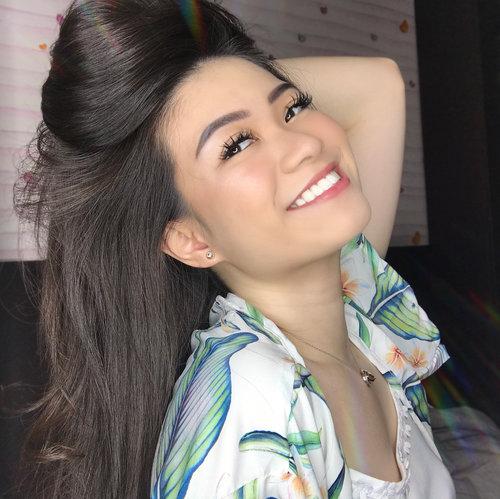 Don't forget to smile for todayyy! ♥️ 👚: outer from @pluffyschoice - - #beautybloggerindonesia #setterspace #beautyinfluencer #indobeautygram #jakartabeautyblogger #igvbeauty #beautyjunkie #beautyvlogger #beautyguru #beautyenthusiast #naturalmakeup #pluffysgirls #pluffyschoice #ichoosepluffys #abnergailorrainecollabs #clozetteid