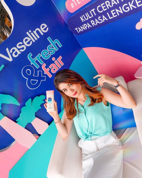 Attending today's @vaselineid launching event 'Healthy white Fresh & Fair Lotion' 🌴——Jujur, aku orangnya males banget pake body lotion karena biasanya lengket dan lama keringnya. Tapi sejak tadi di event aku cobain produk terbarunya @vaselineid , aku langsung suka banget dan langsung komit buat pake rutin. Karena gak lengket sama sekali, cepet keringnya, wangi nya seger banget, dan ada cooling sensationnya!! ❄️Pokoknya luv bgt deh sama produk ini 💓——#abnergailorrainecollabs #blessed #photogram #instagood #photooftheday #photoeveryday #instafamous #picture #beautiful #instaworthy #selflove #motivationalquotes #inspiration #explorationgram #fashion #htfla #picoftheday #toptags #instadaily #unlimlikes #instagrammers #lovemyphotos #goodday #igers #instalike #pretty #instamood #photography #beauty #clozetteid