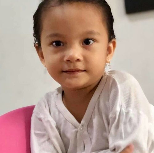Si mentel #charamagdalene #beresinaga #borulumbantungkup #smartgirl #throwback #clozetteid #babygirl #cute