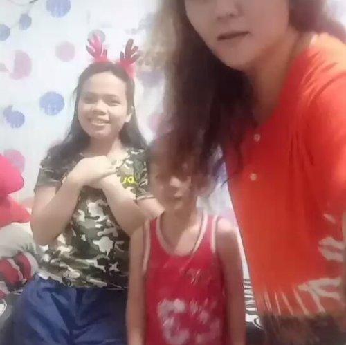 Having fun with my kids during quarantine #dirumahaja #tiktok #pudan #clozetteid #smartmumsid #sinaga #beresinaga #nymarpaung #throwback #bestnine #fun #iseng #boruniraja #bataktoba #mommyalvin