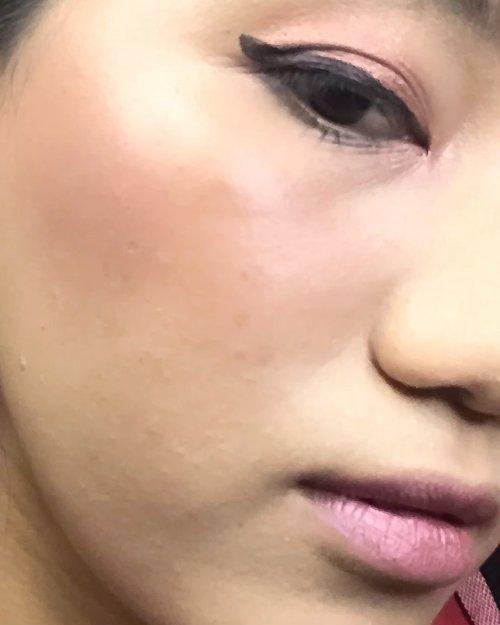 ✨🍃 ONE BRAND MAKEUP PRODUCT - CNY SIMPLE MAKEUP LOOK - @mustikaratuind 🍃✨(っ◔◡◔)っ ♥sorry sebelumnya , aku ga terlalu ketinggalan kan? ~ ♥Semua produk nya aku suka intinya ,Primer nya ringan banget , Cushion nya se awet itu dan ringan , serta ini cushion dengan kandungan skincare , jadi ini seperti skincare makeup gitu jadi banyak manfaat nya juga, warnanya juga masuk ke kulit kita❤️ Eyebrow nya gampang di pakai dan 2in1Lipcream nya warna nya cakep dan multifungsi 🥺😭😭Ku suka~Belum lagi minyak zaitun mereka yang selalu pakai di malam hari sebagai campuran body lotion ku, bye2 kulit kering ❤️bisa dibeli di Market place official store Mustika Ratu (Shopee, Lazada, Tokopedia, dan mustikaratuonline.com) dan watson#reviewbynm #sotd #skincarejunkie #lipserum #skinstagram #textureshot #tekstureshot #reviewindonesia #skincareindonesia #skincarecommunity #clozetteid #clozette #MRloveyourself #GorgeousInGlowOut #JakartaBeautyBlogger #JBBInsider #JBBFeatMustikaRatu