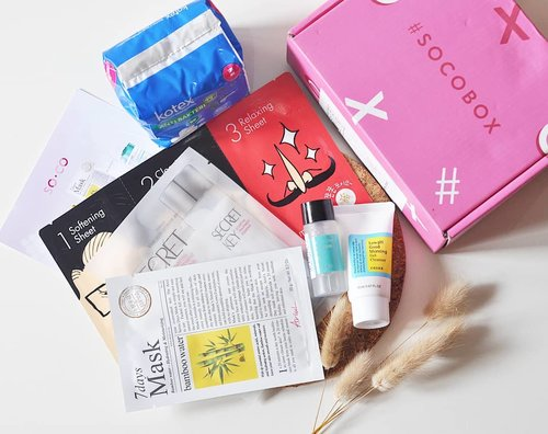 Ada produk favorit kamu gak disini? . Seneng banget dapet #socobox pertamaku dari @sociolla 💕 . Isinya produk2 bestnya @sociolla di tahun 2019 kemarin yang disesuaikan dengan jenis kulitku. . Anyway buat yang belum tahu, #socobox adalah mistery box yang sering dihadiahkan untuk member #socoID by @sociolla pada event2 tertentu (launching produk baru, best of, dll). Di SOCO.ID, temen2 bs cari referensi review produk2 kecantikan serta share review, artikel dan tutorial, sekaligus berkesempatan buat dapetin #socobox di event2 yang aku sebutin sebelumnya. Seru yaaa.. . Thank you muchly @sociolla & @beautyjournal ❤ Gak sabar buat cobain semuanya 😆 . #ClozetteID #clozetteambassador #beautyblogger #bblogger #bvlogger #beautybloggerindo #beautybloggerid #beautyblogsgerindonesia #indonesianbeautyblogger #flatlay #flatlays #whywhiteworks #skincare #skincarejunkie #skincareaddict #skincarehoarder