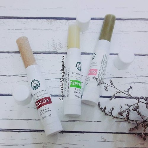 Since I have dried & chapped lips, I can never live without #lipbalm, and when I was pregnant, I was a bit obsessed with safe & natural based #skincare. So I was very happy to find these lovely lip balm set by @utamaspice.The set consists of Cocoa, Peppermint & Wellkiss lip balms, they are local brand, made of 100% pure, natural ingredients, quite moisturizing for daily wear, and very much affordable!Read more #review on my #blog, link in bio 💋#ClozetteID #clozettedaily #clozetter #CIDskincare #CIDreview #skincarejunkie #skincare #beauty #CIDbeauty #FDbeauty #beautyblogger #beautybloggerindo #beautybloggerid #asianbeautyblogger #indonesianbeautyblogger
