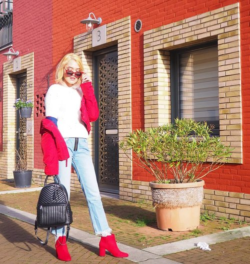 How was your day?I used to dislike red, but somehow people kept giving me stuff in red.. so now I kinda have adjusted to it and even like it a little that I could buy myself a pair of red boots 🙈.Outfit details:Sunnies: @primarkJack: @abercrombieSweater: @hmPants: @zaraShoes: @pullandbearBackpack: @zara.How to get them so cheap? read my highlighted Instastory.But it's impossible to get those cheap price in Indonesia! Nah.. if you know where and when to buy them, you'll get them. I'll tell more in Instastory (ASAP when I have the time)...#clozetteid #ootdmagazine #OOTD #OOTDID #ootdindo #OOTDIndonesia #ootdidku #lookbook #lookbookindo #aestheticaccount #FOTD #fashionblogger #streetstyle #vscocam #fblogger#style #fashionista #picoftheday #WIWT #instafashion #styledootd #styleinspo #fashioninspo #ootdinspo #stylediaries #outfitideas #redoutfit #springoutfit #MOTD #spring2019