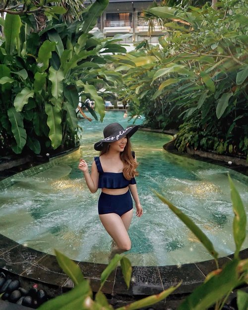 For just one minute, walk outside, stand there, in silence, look at  everything around you, and contemplate how amazing life is. 🌿 — #ThePetiteMissyTravels 📍@pullmanciawivimalahills 📸 @steviiewong . . . . . . . . . . . #pool #lifestyle #luxury #holiday #feminine #fashionistas #vacation #leisure #hotel #summer #tropical #swimsuit #bikini #trend #travel #travelblogger #outfit #traveling #dreamy #chill #bloggerstyle #styleblogger #blogger #fashionblogger #fashionpeople #fashioninfluencer #style #clozetteid