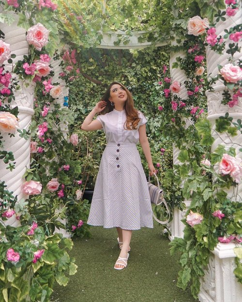 Spring has come. It's time to bloom 🌸 — Visit this beautiful garden installation at @onnihouse.jkt this Friday-Saturday (13-14 March) and shop my preloved items! Will be donating some profits to @seasoldier_ for a good cause 🌿 No plastic bag provided, so please bring your own bag and help reduce plastic waste! — Stripes Skirt from @kivee_  Bag from @kimxlim.id  Sandals from @shoes.miles  #PriStyleDiaries 📸 @mariaistella . . . . . . . #summer #insipiration #whatiwore #portrait #womensfashion #fashionistas #parisian #feminine #elegant #picnic #parisienne #parisianstyle #lotd #bloggerstyle #fashion #styleinspo #instastyle #blogger #styleblogger #stylist #fashionblogger #influencer #ootd #fashioninfluencer #style #outfit #clozetteid