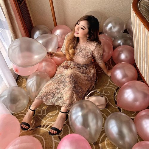 Can't waste this dreamy playful set with pink and silver balloons prepared by @surpriseidea_! 🎈And I'm wearing this beautiful lace dress from @esye_official and black strap heels from @aldo_shoes's Sandal Collection 💕 — #AldoCrew #AldoIndonesia 📸 @mariaistella . . . . . . . . . #whatiwore #portrait #womensfashion #fashionistas #vintage #parisienne #ethereal #parisianstyle #dreamy #fun #party #travelblogger #lotd #bloggerstyle #fashion #styleinspo #instastyle #blogger #styleblogger #fashionblogger #influencer #ootd #fashioninfluencer #style #outfit #clozetteid