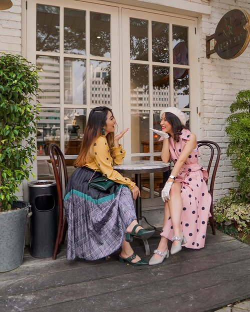 Wishing my bubbly dress-up playmate a very happy birthday today! Admiring how you are so driven and hardworking, also multitalented ✨ Throwback to our first meetup and we dressed up similarly like a true Parisienne hahaha 💕 Missing you so badlyy! Hope we could someday explore Europe together okay? Be my tour guide! 🥰 Have a blast today @vlodelarosa 🎉💝 . . . . . . . #paris #insipiration #whatiwore #portrait #womensfashion #fashionistas #parisian #feminine #elegant #summer #spring #parisienne #parisianstyle #lotd #bloggerstyle #fashion #styleinspo #instastyle #blogger #styleblogger #stylist #fashionblogger #influencer #ootd #fashioninfluencer #style #lifestyle #lifestyleinfluencer #outfit #clozetteid