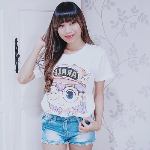 Positivity is not about ignoring the negatives. It's about recognizing and transforming them to something that help you move forward 🍂 - Got ARALE tee from @anakonline_shop 😍 . . . #clozetteid  #arale  #araleshirt  #stylediary #oufitpost #stylegoals #whowhatwear #IGoutfit #revolveme #outfitidea #stylecollective #tephcollaboration  #influencersurabaya  #influencerjakarta