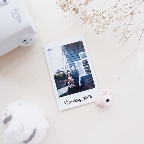 I don't need — a perfect relationship. All I need is someone who loves my ego, weirdness, and my mood swing, and still want to spend time with me and respect me 🌻 . . . #clozetteid  #relationships  #couples  #instaxmini9  #fujifilm  #potd  #flatlay  #blogger  #bloggerindo  #influencer  #instax  #뷰티블로거 #대한민국 #서울 #제주 #유행 #라이프스타일 #구성하다