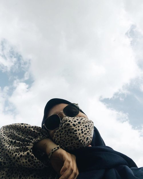 Akhirnya punya foto yg backgroundnya awan ☁️☁️☁️#clozette #clozetteid #ootd #hijabootd