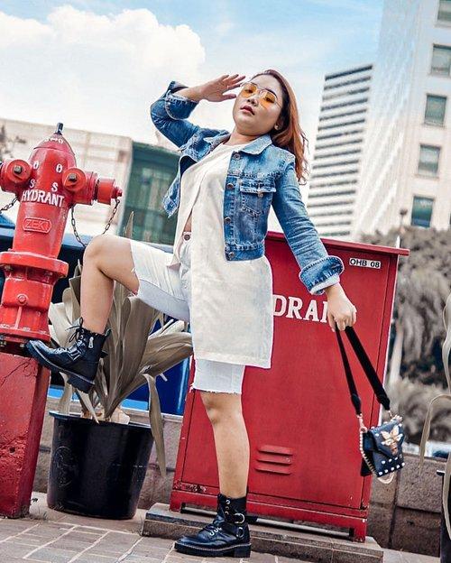Back to basic color.. kalian suka pakai baju warna warni atau hitam putih nih? . . .  #ootdlidya #ootd #outfits #fashion #outfitinspiration #style #outfitoftheday #clozetteid #outfitideas #streetstyle #fashionstreet #ootdstreet #explorejakarta #jakartafashion