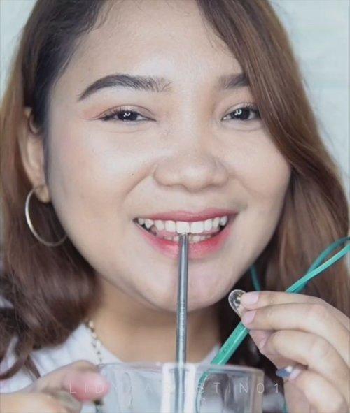 Hi guys! 1st Time aku nyobain ASMR nih! Uh seger siang-siang panas begini 😜 .Gimana menurut kalian? Semoga terhibur dan semoga Haus wkwkwk ...#asmr #asmreating #orangejuice #food #drink #lidyareview #beautyvlogger #makeupvideos #clozetteid