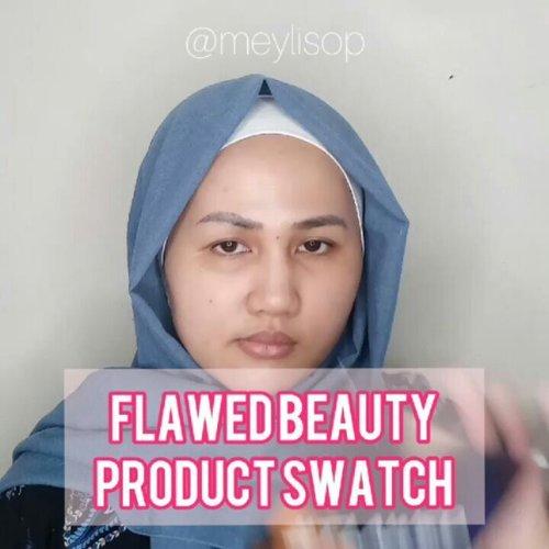 Mini Review: Flawed Beauty Eyeshadow & Face Palette *Swipe untuk lihat foto swatch-nya* . . Belanjaan Oktober kemaren salahsatunya adalah @flawedbeautyofficial Eyeshadow Palette & Face Palette, yang diracunin sm kak @iva_asih dan @awlrw , belanja di @zilingoid pakai voucher kode jadi diskon 60% 😆😆 . . ❤ Eyeshadow Palette isi 9 warna dengan harga yg relatif murah ini to be honest kualitasnya baguuuusss 👌 warna red-crimson yang aku pilih ini warnanya keluar setelah dipoles ke kelopak mata meskipun tanpa eyeprimer. Rata-rata di warna lain teksturnya powdery yang empuk gitu.Sementara warna yg gold, agak keras. Warna-warna matte nya cakep, yg shimmer pun shimmernya halus dan gak dangdut 👌 . . ❤ Face Pallete isi 4 warna yang softt semua. Yang warna pink dan peachy itu warnanya rada nyaru, tapi cantik banget buat make up natural. Sementara yang highlighter nya juga soft, cocok buat yang masih (malu-malu) pakai highlighter 😘 . . Packaging: eyeshadow hardpaper, face palette plastic.  Price: +- 120.000 s/d 150.000 . . Music: Sunday Morning (remix)  Musician: Sunny Shin . . #fotdibb #bbloggerid #indobeautygram #clozetteid #fdbeauty #indobeautyblogger #indonesianbeautyblogger #BPers #Beautiesquad #bloggerceriaID #bloggerceria #bloggerperempuan #fotdibb #indonesianfemaleblogger #beautybloggerID #bblogger #bloggerjakarta #femalebeautyblogger #indonesianfemalebloggers #hijabblogger #hijabblog #bloggerhijab #hijabstyle #hijaboutfit #hijabclubindo  @indobeautyblogger @bloggerperempuan @femalebloggersid @bloggerceriaid