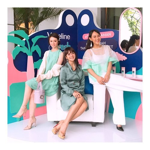 "<div class=""photoCaption"">Have fun with @adieztyfersa and @puitika at @vaselineid x @clozetteid Walau panas and gerah, tetep kita main di playgroundnya! Causee Kita dah pake @vaselineid Fresh and Fair - Ga Lengket and ada cooling menthol- and UV protection- plusss wangiJadinya..  <a class=""pink-url"" target=""_blank"" href=""http://m.clozette.co.id/search/query?term=TetapNyaman&siteseach=Submit"">#TetapNyaman</a> deh... 😘😘  <a class=""pink-url"" target=""_blank"" href=""http://m.clozette.co.id/search/query?term=beautyblogger&siteseach=Submit"">#beautyblogger</a>  <a class=""pink-url"" target=""_blank"" href=""http://m.clozette.co.id/search/query?term=blogger&siteseach=Submit"">#blogger</a>  <a class=""pink-url"" target=""_blank"" href=""http://m.clozette.co.id/search/query?term=kbeauty&siteseach=Submit"">#kbeauty</a>  <a class=""pink-url"" target=""_blank"" href=""http://m.clozette.co.id/search/query?term=vscocam&siteseach=Submit"">#vscocam</a>  <a class=""pink-url"" target=""_blank"" href=""http://m.clozette.co.id/search/query?term=ullzang&siteseach=Submit"">#ullzang</a>  <a class=""pink-url"" target=""_blank"" href=""http://m.clozette.co.id/search/query?term=bblogger&siteseach=Submit"">#bblogger</a>  <a class=""pink-url"" target=""_blank"" href=""http://m.clozette.co.id/search/query?term=bestoftheday&siteseach=Submit"">#bestoftheday</a>  <a class=""pink-url"" target=""_blank"" href=""http://m.clozette.co.id/search/query?term=lookbook&siteseach=Submit"">#lookbook</a>  <a class=""pink-url"" target=""_blank"" href=""http://m.clozette.co.id/search/query?term=style&siteseach=Submit"">#style</a>  <a class=""pink-url"" target=""_blank"" href=""http://m.clozette.co.id/search/query?term=fashion&siteseach=Submit"">#fashion</a>  <a class=""pink-url"" target=""_blank"" href=""http://m.clozette.co.id/search/query?term=styleblogger&siteseach=Submit"">#styleblogger</a>  <a class=""pink-url"" target=""_blank"" href=""http://m.clozette.co.id/search/query?term=BeautyBloggerIndonesia&siteseach=Submit"">#BeautyBloggerIndonesia</a>  <a class=""pink-url"" target=""_blank"" href=""http://m.clozette.co.id/search/query?term=beautyblogger&siteseach=Submit"">#beautyblogger</a>  <a class=""pink-url"" target=""_blank"" href=""http://m.clozette.co.id/search/query?term=fashionblogger&siteseach=Submit"">#fashionblogger</a>  <a class=""pink-url"" target=""_blank"" href=""http://m.clozette.co.id/search/query?term=clozetteid&siteseach=Submit"">#clozetteid</a></div>"