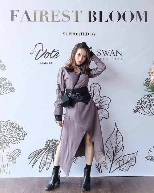 Wrapped by @surin.id Happy 1st anniversary @surin.idAnd Congratulation of the Shoes Collection Launching @surin.shoesHere! At @votejakarta #surinid #ootdSilviaMuryadi#ootd #ootdindo #outfitoftheday #instastyle #stylefashiondaily #fashionaddict #bloggerstyle #lookbook #lookbookindo #ootdmagazine #styleblogger #fashionpost #styleinspiration #dailystyle #clozetteid #ShoxSquad #outfitsociety #vsco #셀스타그램 #팔로우 #오오티디 #패션 #데일리 #일상 #fashiongram #fashionvibes