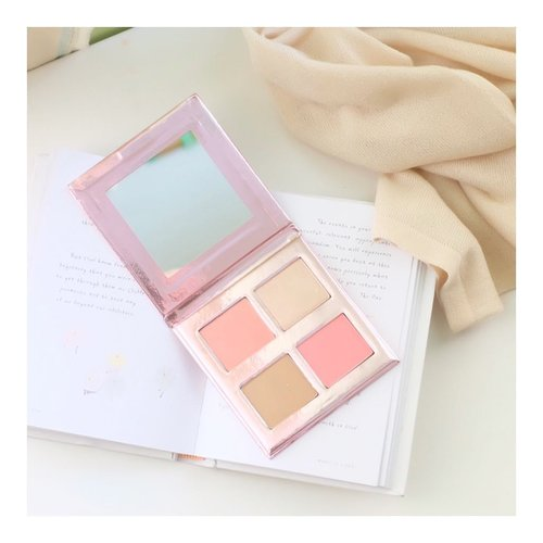 And this is the blush on from @esqacosmetics x @bclsinclair yang aku pake di pic sebelumnya 😀😀 Love it or hate it? 😀#beautyblogger #blogger #kbeauty #vscocam #ullzang #bblogger #bestoftheday #lookbook #style #fashion #styleblogger #BeautyBloggerIndonesia #beautyblogger #fashionblogger #bloggerbabes #beauty #makeup #indobeautygram #beautybloggerid #beautybloggerindo #charisceleb#clozetteid #beautynesiamember #charisceleb #hicharis #beautifuljournal
