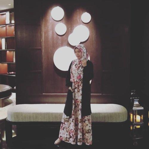 Beutiful people are not always good, but good people are always beautiful ~ Ali bin Abi Thalib (ra) Jumuah Barokah 💞#gayagie #justmy2cents #quotesoftheday #hijabstyle #lifestyleblogger #modeststyle #ayanamidplazajakarta #hotel #weekendgateway #weekendgie #lifeisnevaflat #clozetteid