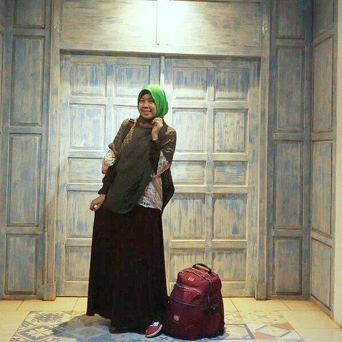 Jogja, 我爱你 ❤ . . . . . #liburangie #gayagie #clozetteid #travelblogger #fashionblogger #travelfashion #backpacker #backpackeran #liburanmurah #jalanjalanterjangkau #ranseltraveller #ransel #modestfashion #modestlook #modestwear #hijabblogger #lifestyleblogger #lifeisnevaflat #visitjogja