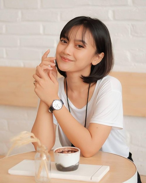 "There is no ""right time"" there is just time and what you choose  to do with it.  You can get this @danielphilipwatch with special promo, only at >>>> @dpwatch.pr now!!!  📷 @liafebriana   #jewelry #fashion #style #classic #influencer #influencerbali #fashionstyle #fashioninspiration #lookbook #lookbookindonesia #instafashion #lifestyle #styleinspiration #clozetteid #clozette #baliinfluencer  #tsoa #truebeauty #celeb_challenge #mrqueen #thesecretofangel #bali #celebrity #indonesia #welovebali #stylediary #ootd #ootdindonesia #ootdindokece #ootdbali"