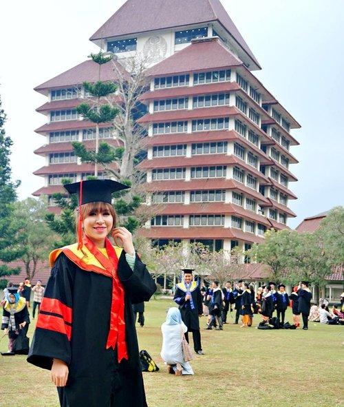 #graduationday #graduation #ui #universitasindonesia #magisterkenotariatan #magister #mknui #mkn #event #clozetteid #girl #graduate #start #starclozetter