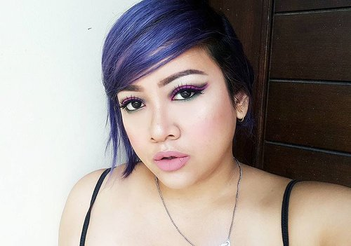 I love how this @adorecreative.indonesia in Purple Rage when start fading. It looks like royal blue at first, then it turns to greyish-smokey purple right now. Yaasss!  #dailylook #instabeauty #instago #motd #fotd #beautyblogger #indobeautygram #like4like #clozetteid #clozette