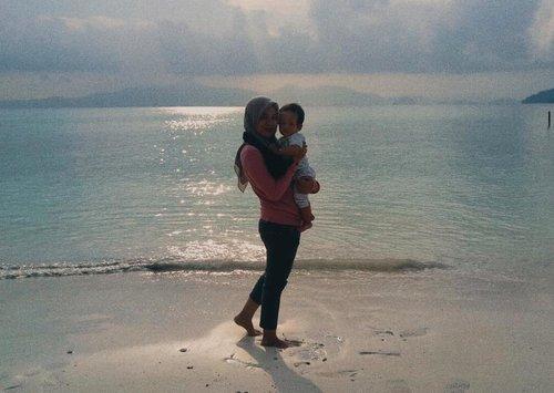 Ku naik turun ke bukit, Kemudian belok ke pantai ~ 🍃...#clozetteid #RyzliandraMudik #bayikryzliandra