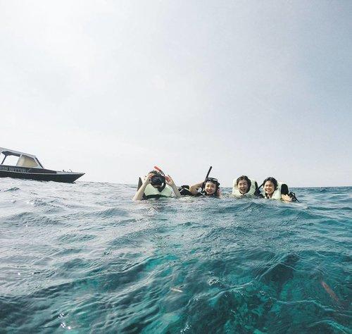 Hi sea! ⛵🏄#GiliBabes #exploregili #clozetteid #gilisnorkeling