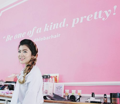 Zoom in to my messy braided hair today by @blobarhair 🙆 Special thanks to @eminacosmetics @makeoverid and @heavenlyblushyogurt for my healthy breakfast! 🙌 Media partner: @zetizen @popbela_com @looksmagazine  And there's giveaway too from @blobarhair , 2 best instagram post will win special hampers worth 500k, travelling hair tools, eyelash+glue, & makeup. Just take your best selfie, wefie, or anything cute in at Blobar Salon, tag @blobarhair @lilomuaeyelashes and put hashtag #InstantBeauty #BlobarHair #Lilomuaeyelashes Good luck ladies! 😘 #clozetteid #Blobarhair #InstantBeauty #lilomuaeyelashes #looksootd #looksmagazine #ggrep