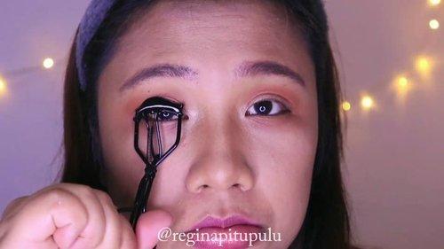 Coral Makeup Tutorial 🧡-Details produk langsung mampir ke blog yak! -WWW.REGINAPIT.COM/bit.ly/reginapit-coral/Link di Bio ✨. ...#reginapittutorial#reginapitcom #sbyglamsquad#bvlogger #bvloggerid #indobeautygram #Clozetteid  #indonesiababe #bunnyneedsmakeup #sbybeautyblogger  #reginapitcom #beautiesquad #IVGBeauty #indovidgram #indovlogger #setterspace #kbbvfeatured #beautybloggerindonesia #reginapittutorial#BSJanCollab #BSCollab #BSCoral #CoralMakeup #LivingCoral