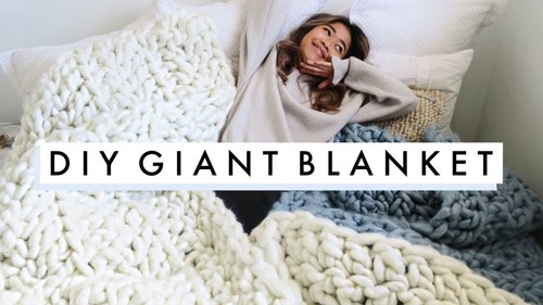 easy DIY GIANT KNIT BLANKET |  diy holiday gifts - YouTube